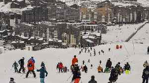 Ski resort workers protest over unemployment reforms as France's busy winter season gets underway [Video]