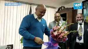 Delhi cabinet ministers take charge [Video]