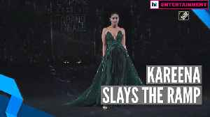 News video: Kareena Kapoor sets the ramp on fire at the grand finale of Lakme Fashion Week