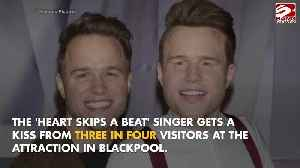 Olly Murs is the most-kissed waxwork at Madame Tussauds [Video]