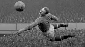 Manchester United great Harry Gregg dies aged 87 [Video]