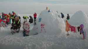 Igloo festival brings hundreds to Siberian reservoir [Video]