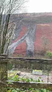 Heavy Landslide in Rhondda Valley Causes Dangerous Situation [Video]