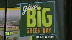 Give BIG Green Bay - Packers [Video]