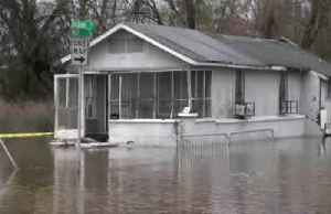 Mississippi floods appear to peak, parts of Jackson under water