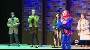 Students dedicate musical to retiring teacher [Video]