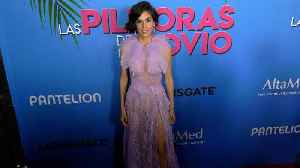 """Sandra Echevarria """"Las Pildoras De Mi Novio"""" Premiere Red Carpet Fashion [Video]"""
