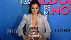 """Martha Higareda """"Las Pildoras De Mi Novio"""" Premiere Red Carpet Fashion [Video]"""