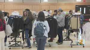 Hundreds Of Hofstra University Students Take Advantage Of Free 'Career Closet' [Video]