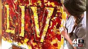Kansas City-area artist creates painting with Super Bowl confetti [Video]
