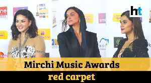Mirchi Music Awards: Deepika, Taapsee twin in black, Sunny Leone sizzles at the red carpet [Video]