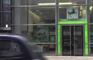 Britain's Lloyds hit by bad deeds and bad debts [Video]