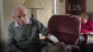 102-year-old Second World War veteran describes fighting off burglar [Video]