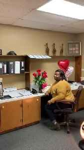 Man Surprises Wife in Office With Gift and Saxophone Performance on Valentine's Day [Video]