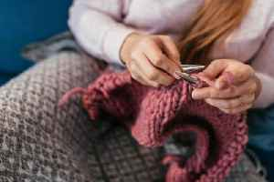 A swirl of drama has been surrounding the knitting Instagram community [Video]