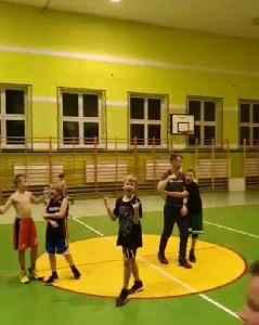 Amazing half court shot [Video]