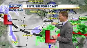 Cloudy Monday, snow moves in late [Video]