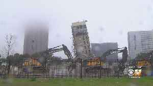 Hundreds Flock To 'Leaning Tower Of Dallas' For Final Photo-Ops 1 Day Before Demolition [Video]