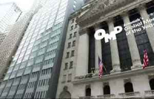 Dow sheds 900 points at the open