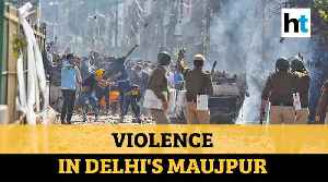 Delhi violence: Cop killed, houses & cars set on fire as protestors clash [Video]