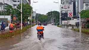 Torrential rains cause serious flooding in Indonesia's capital [Video]