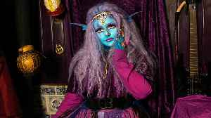 'Alien' Girl Wants To Be Permanently Blue | HOOKED ON THE LOOK [Video]