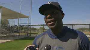 Torii Hunter Spreads The Love In Spring Training [Video]