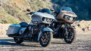 2020 Indian Challenger Dark Horse vs. Harley-Davidson Road Glide Special [Video]