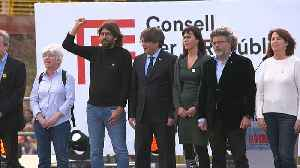 Exiled Catalan separatist leader holds rally in France [Video]
