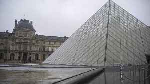 Louvre museum closes over workers' coronavirus fears [Video]