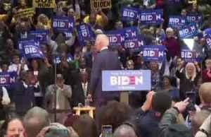 Biden wins backing of ex-rivals Buttigieg, Klobuchar [Video]
