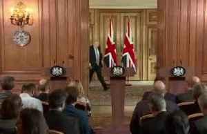 Boris Johnson unveiled coronavirus plan for UK [Video]