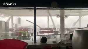 Storm rips through restaurant on second night of torrential weather in northern Thailand [Video]