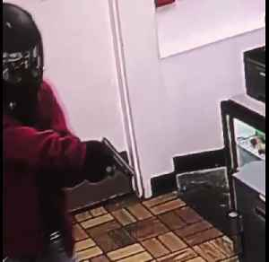VIDEO: Police searching for woman involved in west Las Vegas robbery [Video]