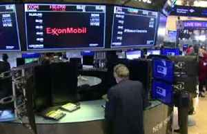 Coronavirus fears slam banks, travel stocks [Video]