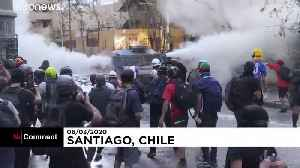 Chile: Clashes as thousands protest in Santiago against the government [Video]