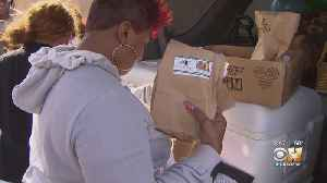 Family, Friends Of Marquis Jefferson Pass Out Sack Lunches To Dallas Homeless In His Honor [Video]