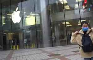 Apple's China sales slump as shoppers stay home [Video]