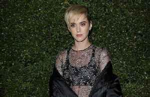 Katy Perry's parents won't hug her amid coronavirus fears [Video]