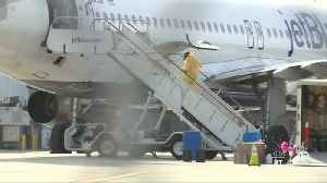JetBlue faces questions after passenger tests positive for coronavirus on flight to PBIA [Video]