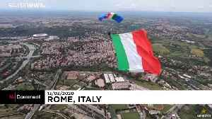 Paratrooper supports Italy with skydive in Rome [Video]