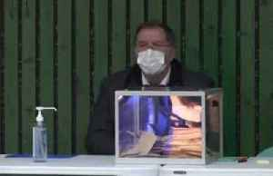 Mayor recovered from coronavirus takes part in French elections [Video]