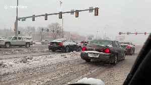 Winter returns to South Dakota as snow blankets highway in Sioux Falls [Video]