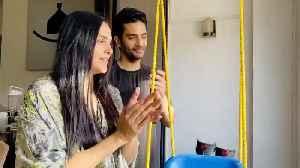 Neha Dhupia seen taking part in Janata Curfew clapping initiativ [Video]