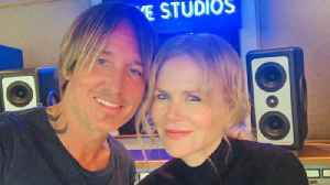 Keith Urban stages second studio livestream concert as Nicole Kidman plays roadie [Video]
