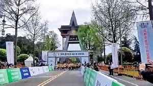 Mini-marathon held in southern China after coronavirus outbreak slows [Video]