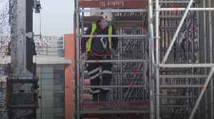 News video: Construction workers fear catching coronavirus on building sites