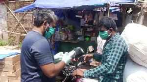News video: Volunteers distribute face masks in Bhubaneswar amid coronavirus pandemic