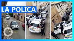 Spanish police serenade quarantined citizens [Video]