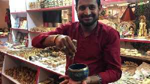 Mysterious singing bowl demonstrated by shop owner in India [Video]